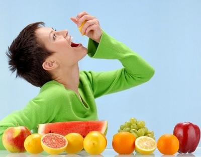 большое количество фруктов