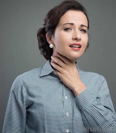 использование лекарств при болях в горле